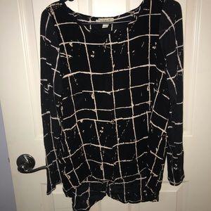Cool grid/splatter paint blouse